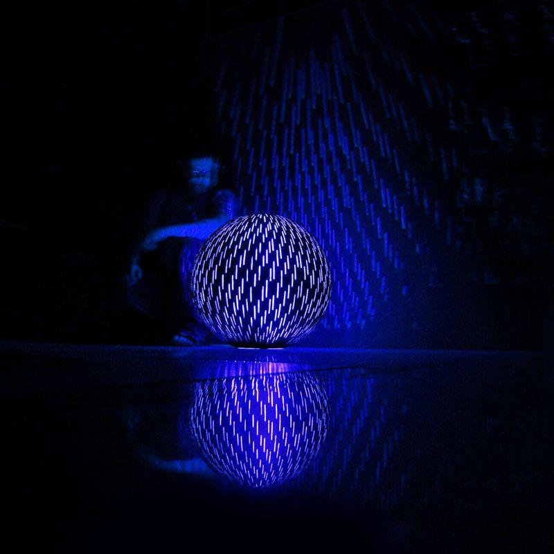 Lampa z betonu, świecąca betonowa kula