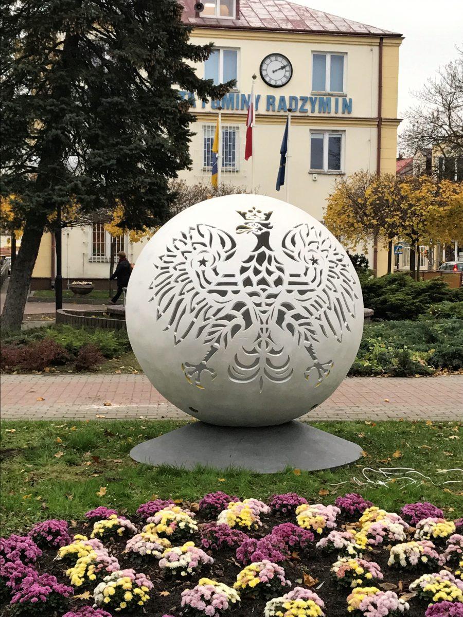 kula betonowa orzeł godło Polska